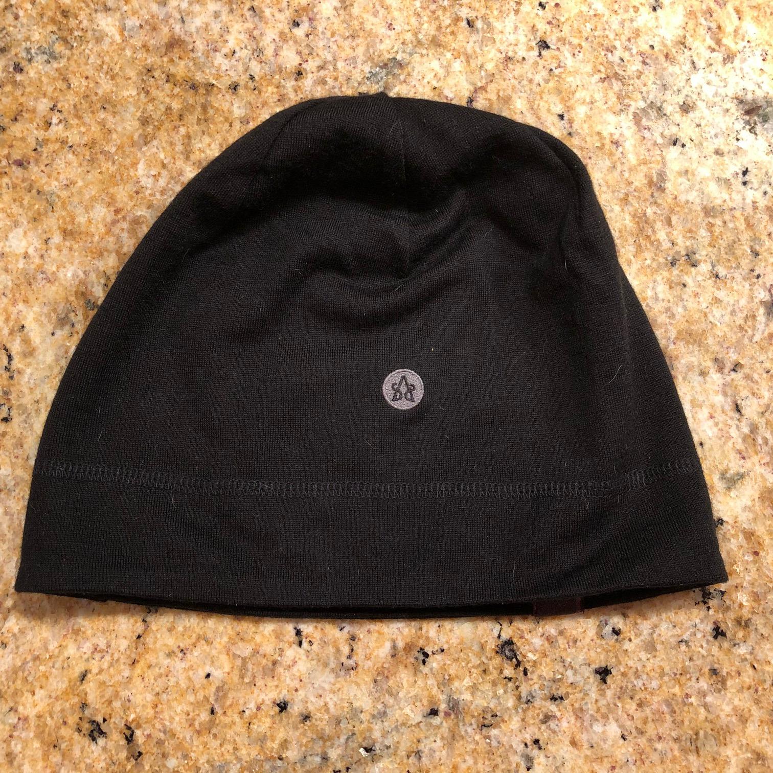 Shola 230 Esker Hat with Emblem
