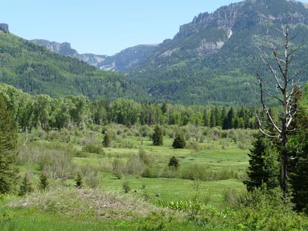 banded-peak-valley-view