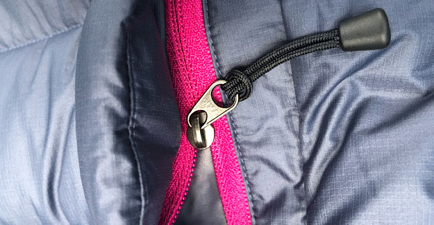 Down Jacket pocket zippers on the EOS with zip pulls