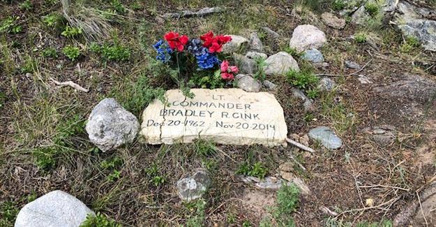 Memorial Marker at Indian Creek Trailhead Near Cottonwood Pass