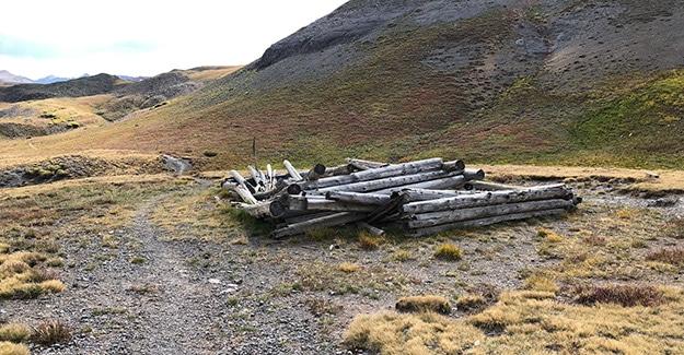 Mining cabin near Stony Pass
